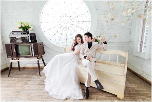 Chụp ảnh cưới trong nhà